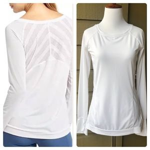 Athleta White Kettlebella Long Sleeve Size XXS